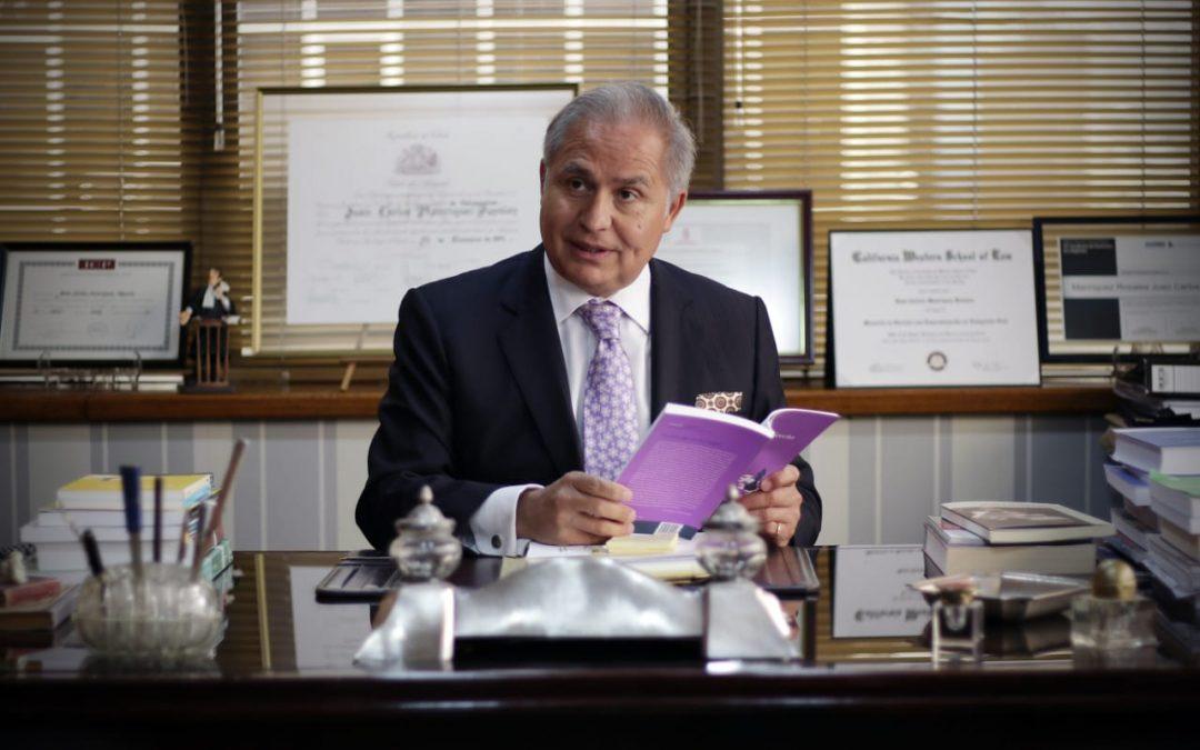 Juan Carlos Manríquez es invitado a participar como juez en primer ranking de abogados de Chile